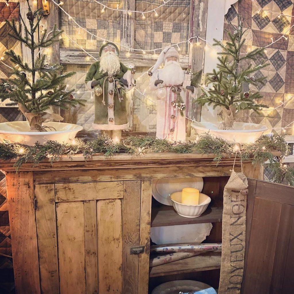 100 Cozy Farmhouse Christmas Decor Ideas To Makes Your Home Feel Warm 66