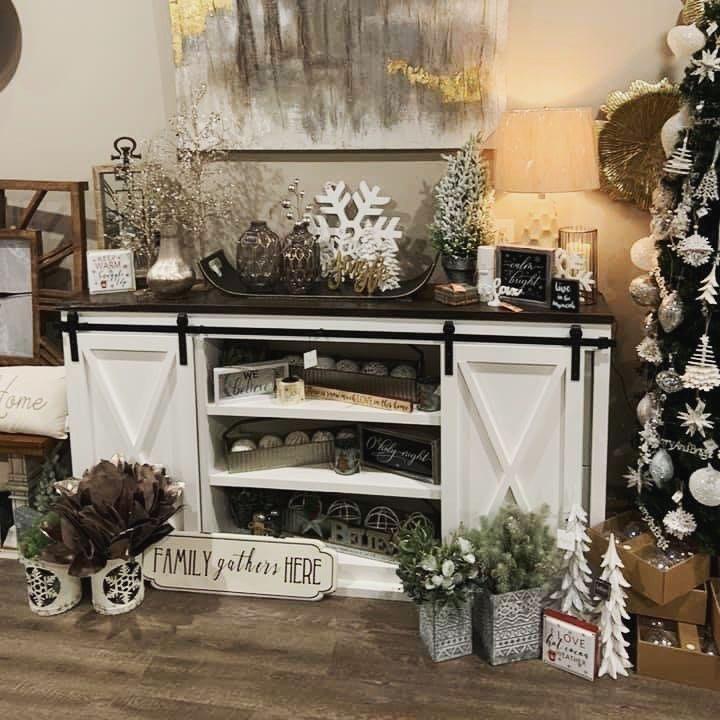 100 Cozy Farmhouse Christmas Decor Ideas To Makes Your Home Feel Warm 70