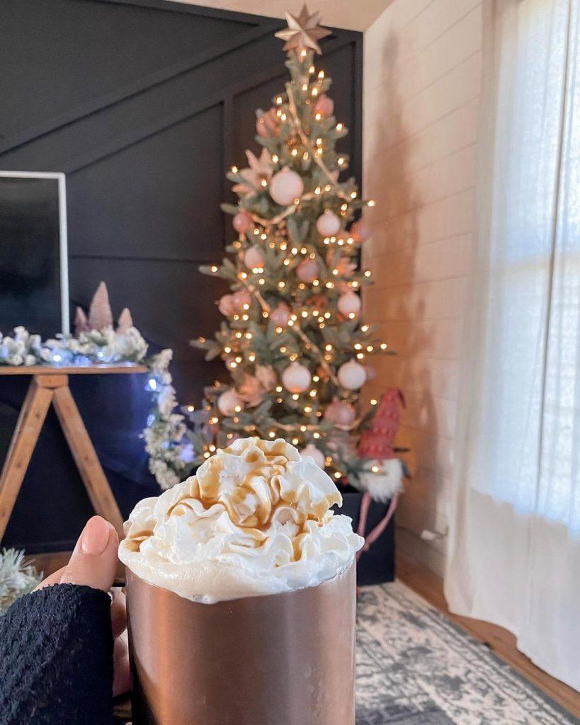 100 Cozy Farmhouse Christmas Decor Ideas To Makes Your Home Feel Warm 71