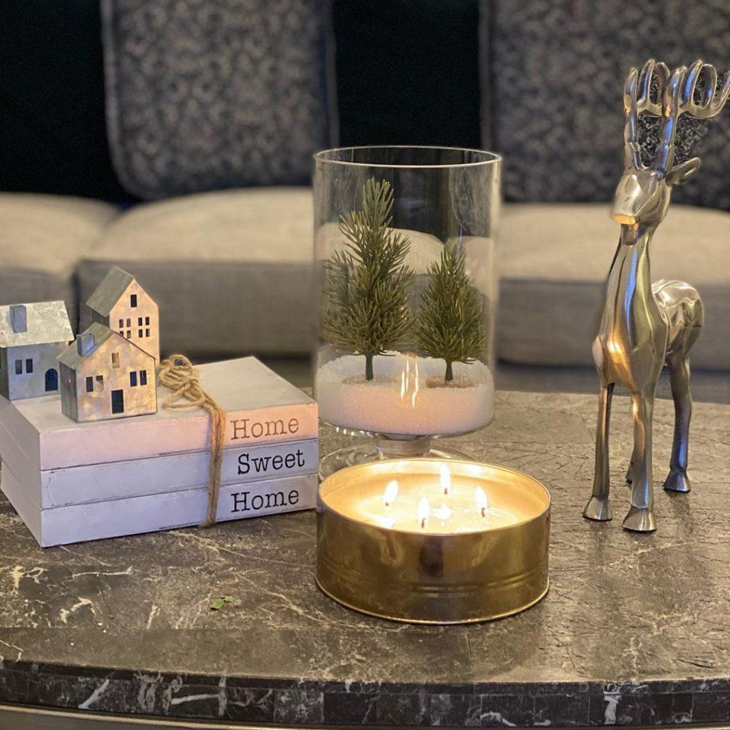 100 Cozy Farmhouse Christmas Decor Ideas To Makes Your Home Feel Warm 79