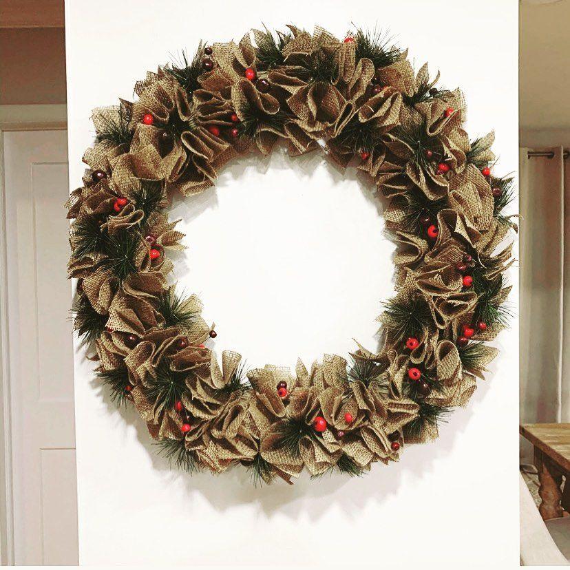 100 Cozy Farmhouse Christmas Decor Ideas To Makes Your Home Feel Warm 88