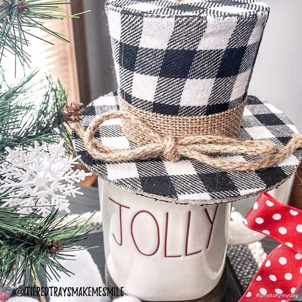 100 Cozy Farmhouse Christmas Decor Ideas To Makes Your Home Feel Warm 89