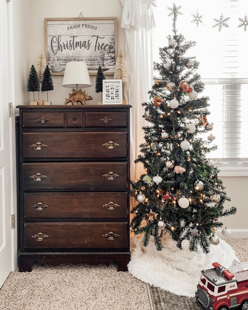 100 Cozy Farmhouse Christmas Decor Ideas To Makes Your Home Feel Warm 98