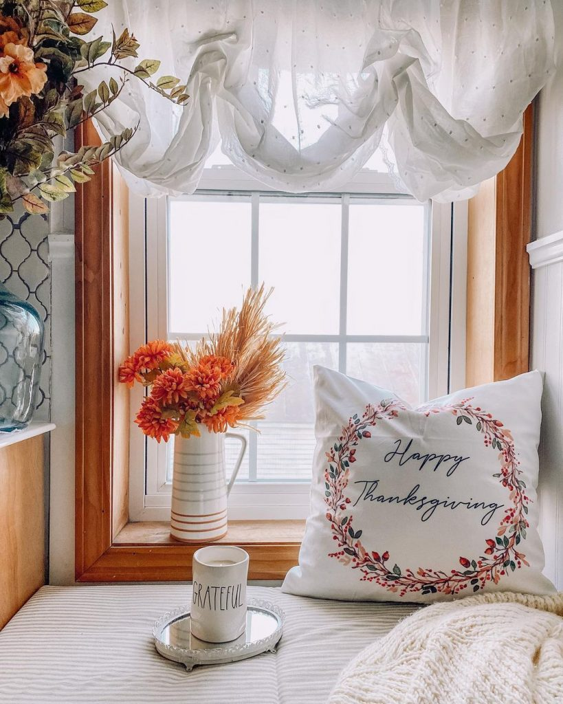 100 Thanksgiving Decoration Ideas Stylize Your Home With Fall Accents 3