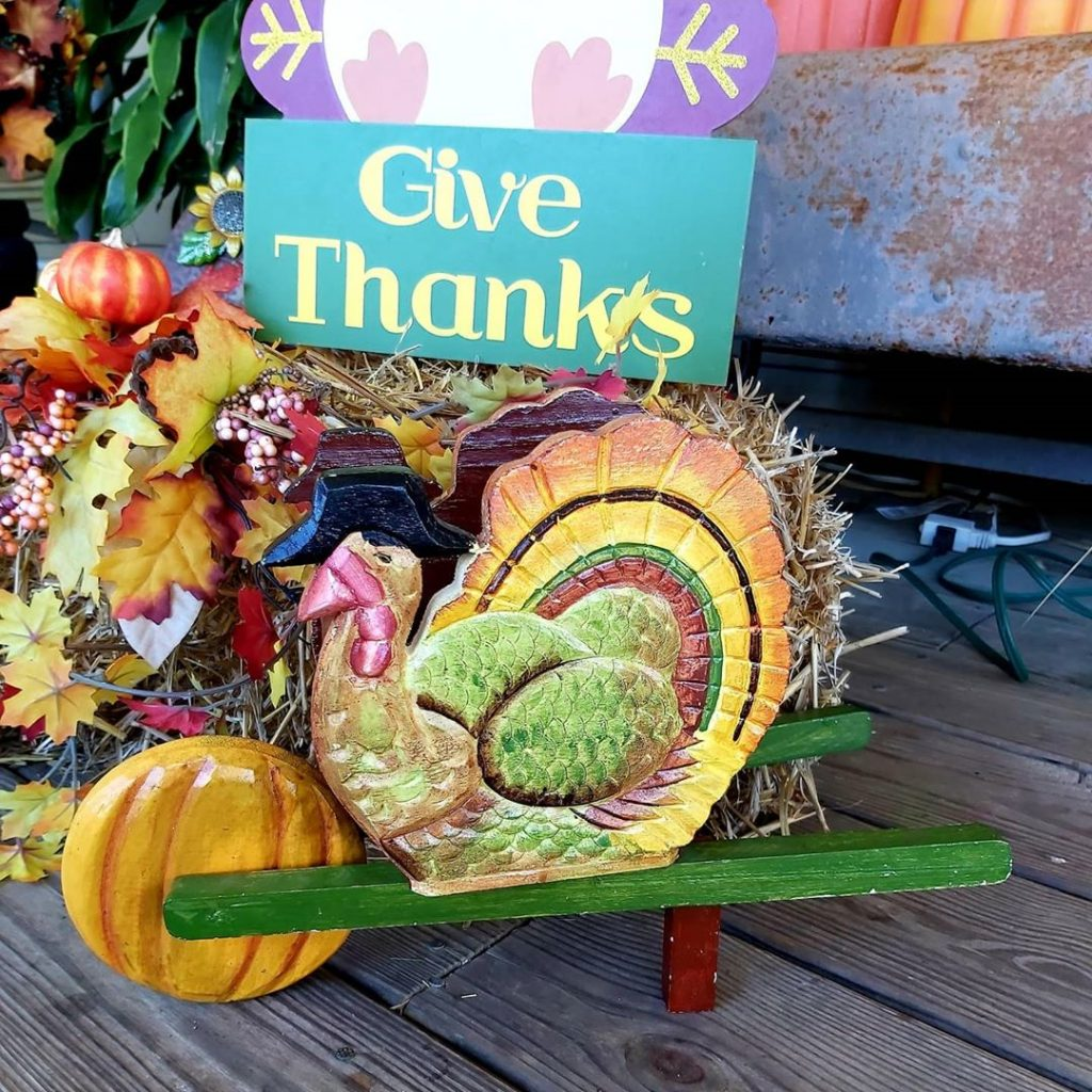 100 Thanksgiving Decoration Ideas Stylize Your Home With Fall Accents 40