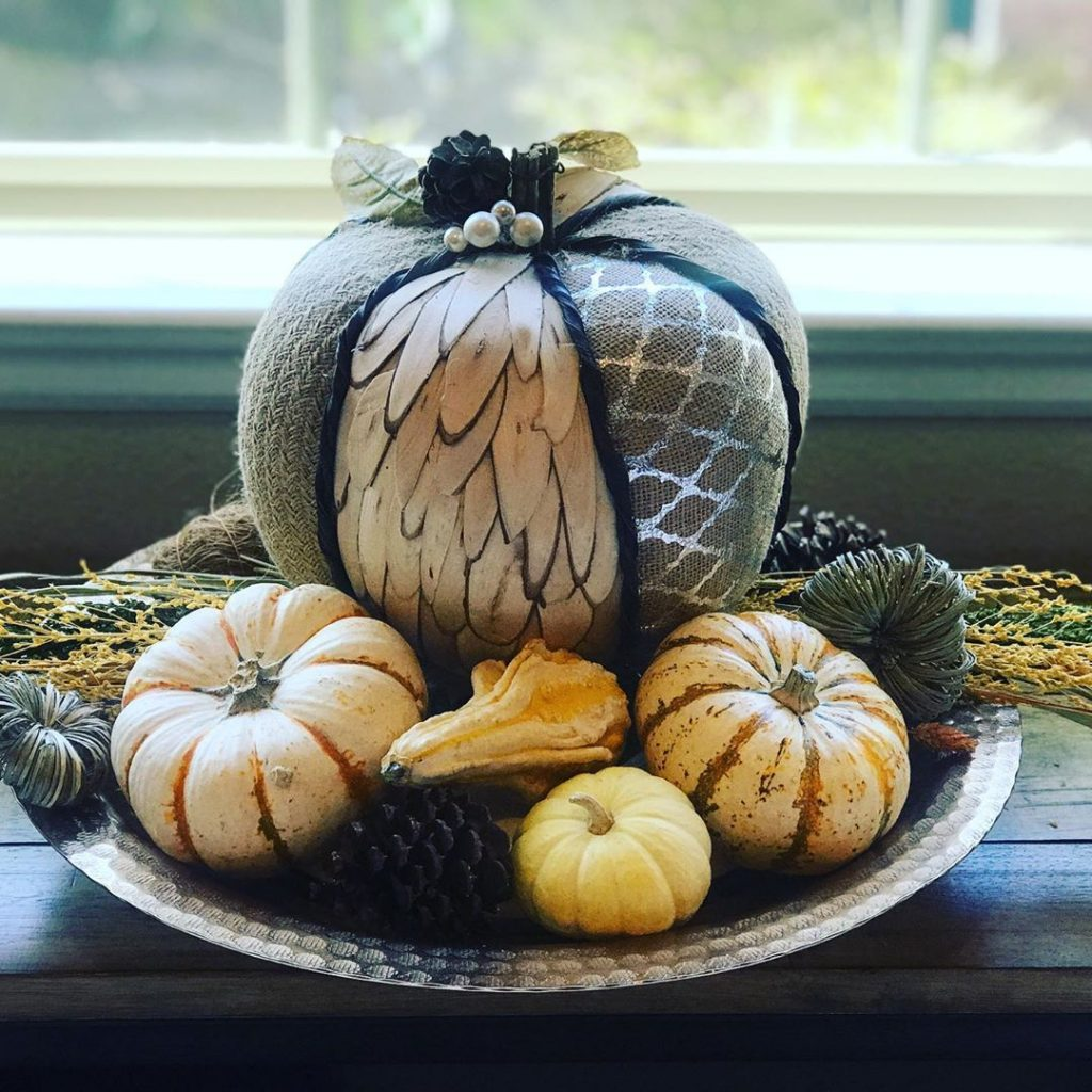 100 Thanksgiving Decoration Ideas Stylize Your Home With Fall Accents 41