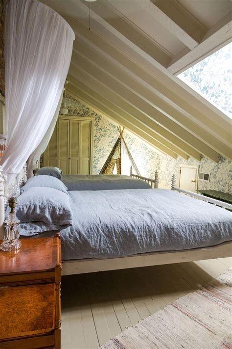 Amazing Attic Bedroom Ideas On A Budget 22