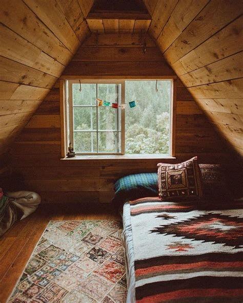 Amazing Attic Bedroom Ideas On A Budget 23