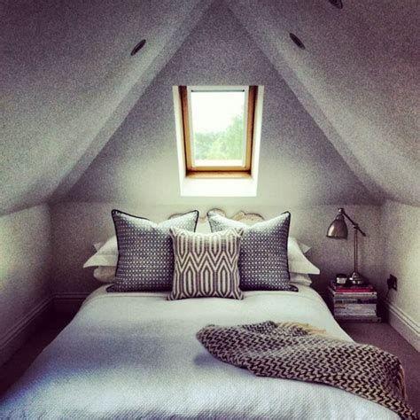 Amazing Attic Bedroom Ideas On A Budget 38
