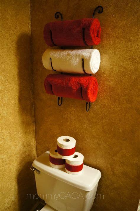 Amazing Christmas Bathroom Decorations That Will Amaze You 06