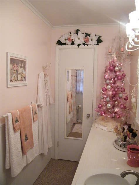 Amazing Christmas Bathroom Decorations That Will Amaze You 13