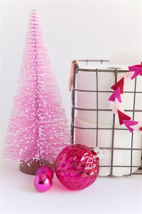 Amazing Christmas Bathroom Decorations That Will Amaze You 16
