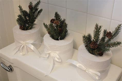 Amazing Christmas Bathroom Decorations That Will Amaze You 20