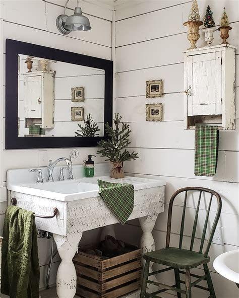Amazing Christmas Bathroom Decorations That Will Amaze You 33