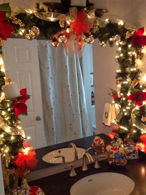 Amazing Christmas Bathroom Decorations That Will Amaze You 35