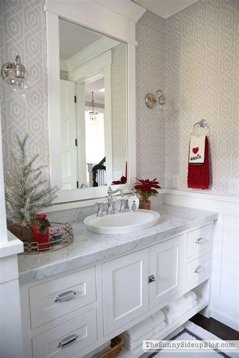 Amazing Christmas Bathroom Decorations That Will Amaze You 39