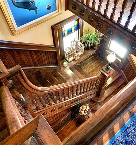 Amazing Victorian Staircases Design Ideas For Beauty And Safety 07