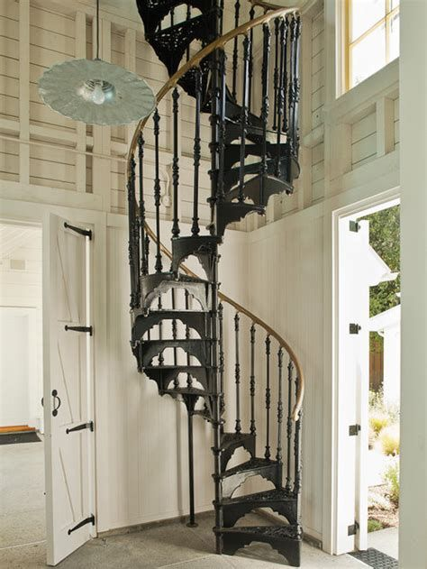 Amazing Victorian Staircases Design Ideas For Beauty And Safety 16