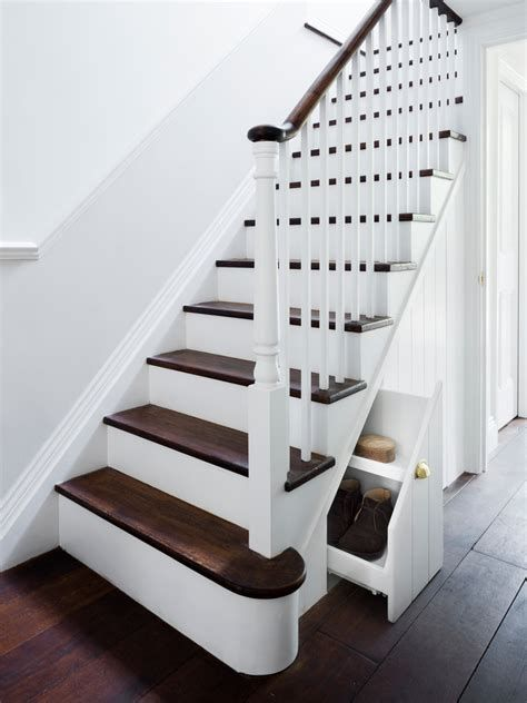 Amazing Victorian Staircases Design Ideas For Beauty And Safety 18