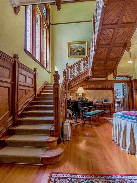 Amazing Victorian Staircases Design Ideas For Beauty And Safety 20