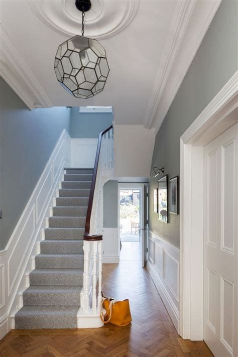 Amazing Victorian Staircases Design Ideas For Beauty And Safety 24