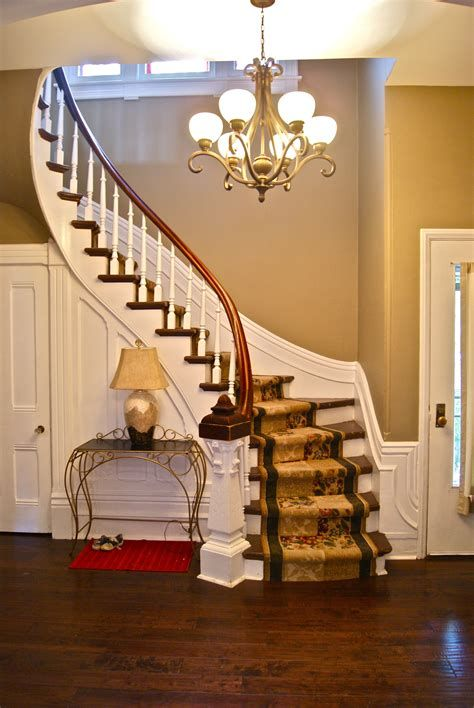 Amazing Victorian Staircases Design Ideas For Beauty And Safety 41