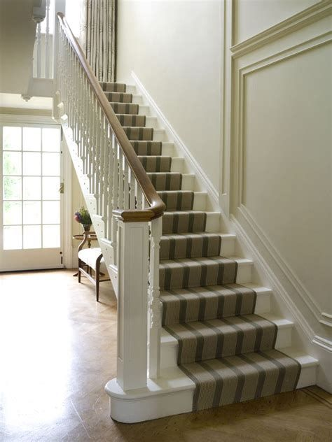 Amazing Victorian Staircases Design Ideas For Beauty And Safety 44