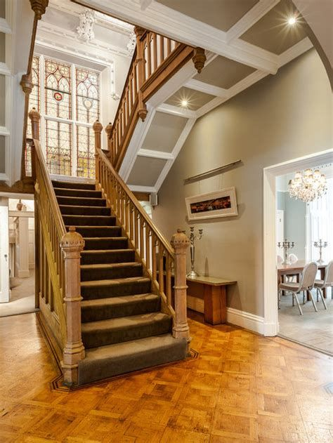 Amazing Victorian Staircases Design Ideas For Beauty And Safety 45