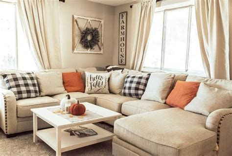 Attractive Winter Living Room Decoration Ideas For Warmth In The House 03