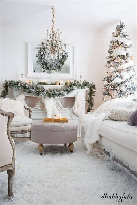 Attractive Winter Living Room Decoration Ideas For Warmth In The House 12