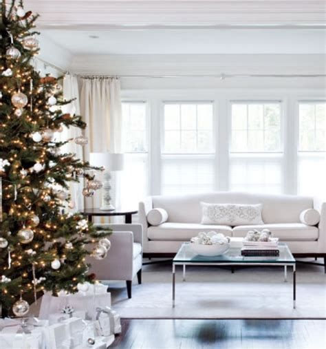 Attractive Winter Living Room Decoration Ideas For Warmth In The House 18