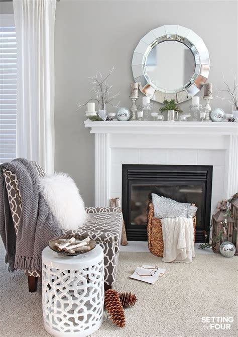 Attractive Winter Living Room Decoration Ideas For Warmth In The House 40