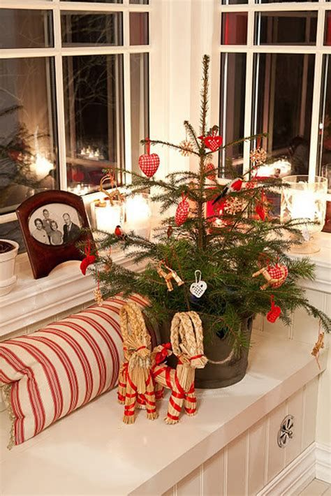 Beautiful Christmas Decorating Ideas For Tiny House 02