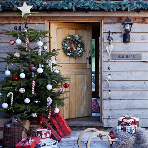 Beautiful Christmas Decorating Ideas For Tiny House 04