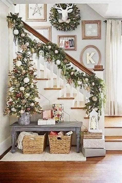 Beautiful Christmas Decorating Ideas For Tiny House 13