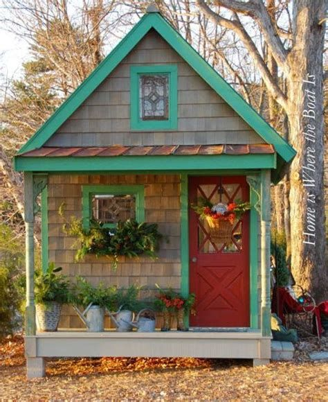 Beautiful Christmas Decorating Ideas For Tiny House 21