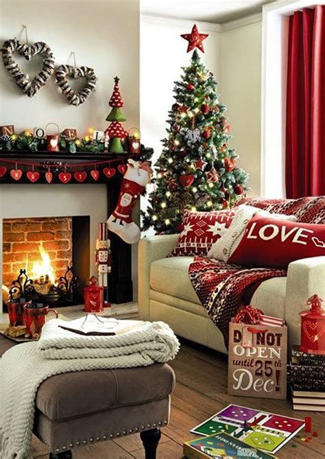 Beautiful Christmas Decorating Ideas For Tiny House 23