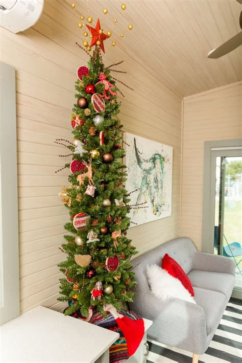 Beautiful Christmas Decorating Ideas For Tiny House 33