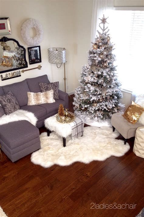 Beautiful Christmas Decorating Ideas For Tiny House 35
