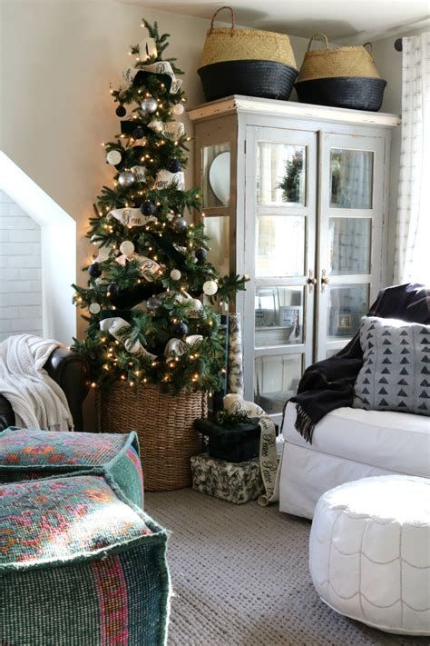 Beautiful Christmas Decorating Ideas For Tiny House 37