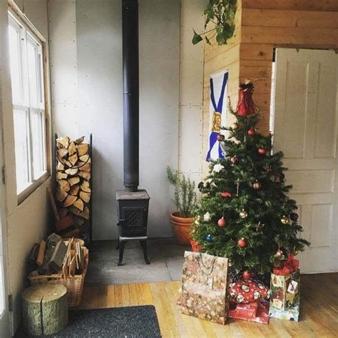 Beautiful Christmas Decorating Ideas For Tiny House 38