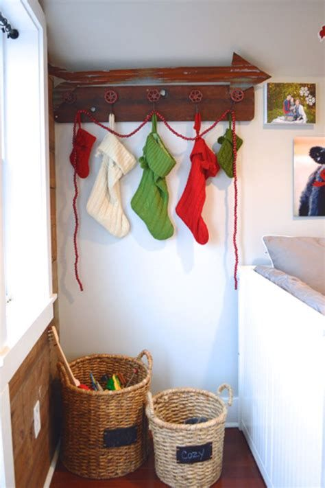 Beautiful Christmas Decorating Ideas For Tiny House 40