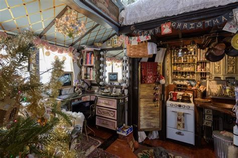 Beautiful Christmas Decorating Ideas For Tiny House 41