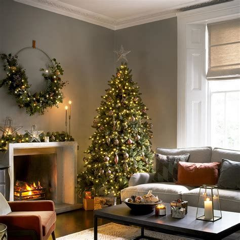 Best Christmas Living Room Decoration Ideas For Your Home 02