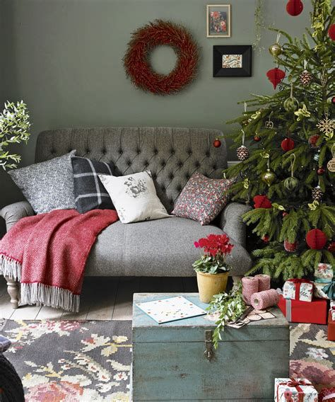 Best Christmas Living Room Decoration Ideas For Your Home 05