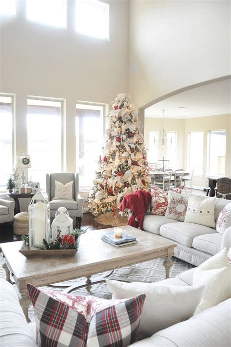 Best Christmas Living Room Decoration Ideas For Your Home 15