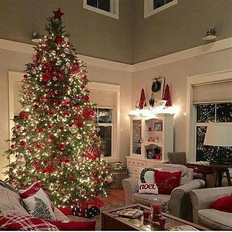 Best Christmas Living Room Decoration Ideas For Your Home 16