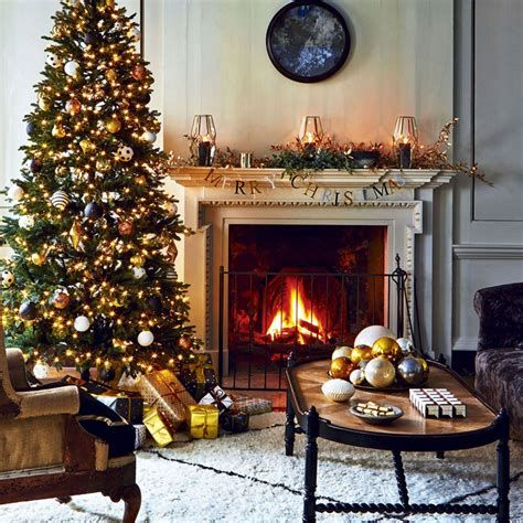 Best Christmas Living Room Decoration Ideas For Your Home 17