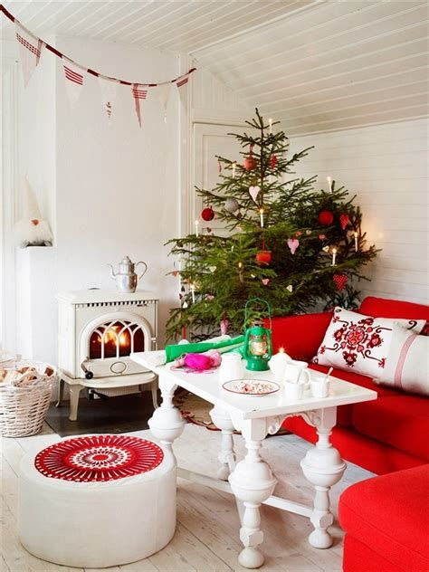 Best Christmas Living Room Decoration Ideas For Your Home 21