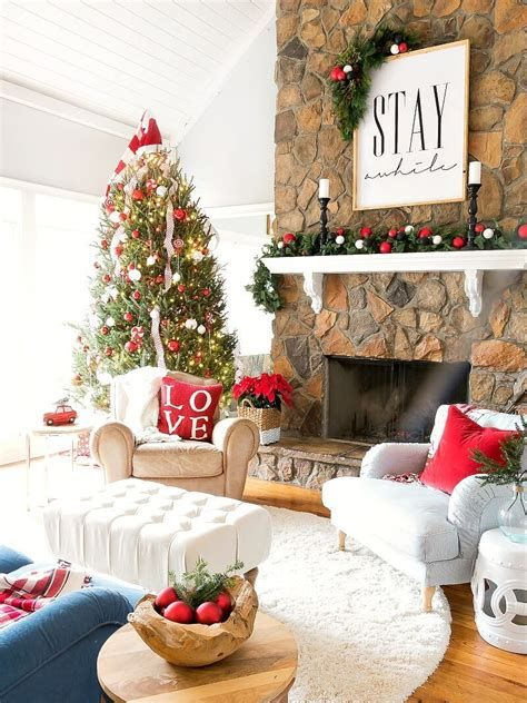 Best Christmas Living Room Decoration Ideas For Your Home 29
